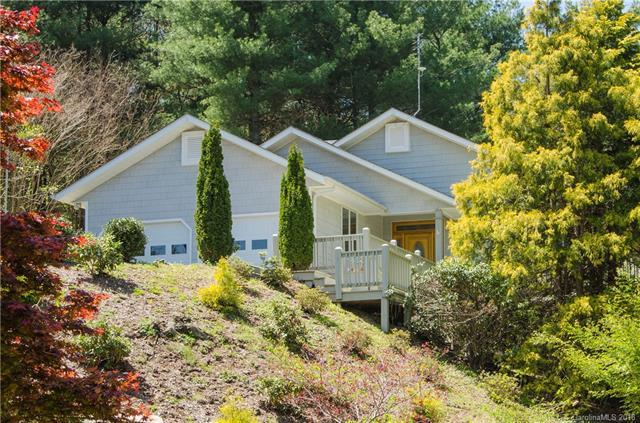 3013 Hickory Nut Trail, Hendersonville, NC 28739 (#3381182) :: RE/MAX Four Seasons Realty