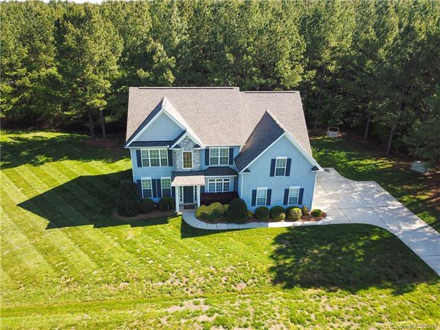 6001 Malden Court, Mount Holly, NC 28120 (#3384929) :: Odell Realty Group