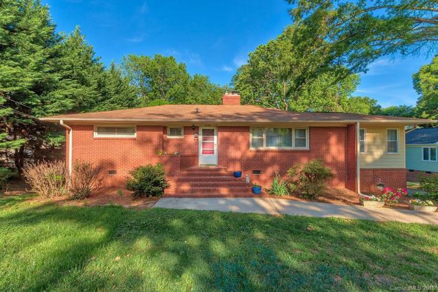 1639 Merry Oaks Road, Charlotte, NC 28205 (#3388531) :: Leigh Brown and Associates with RE/MAX Executive Realty