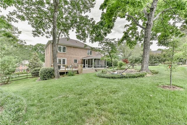 7901 Bradenton Drive, Charlotte, NC 28210 (#3391982) :: Charlotte's Finest Properties