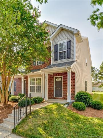 2830 Summergrove Court, Matthews, NC 28105 (#3396639) :: High Performance Real Estate Advisors