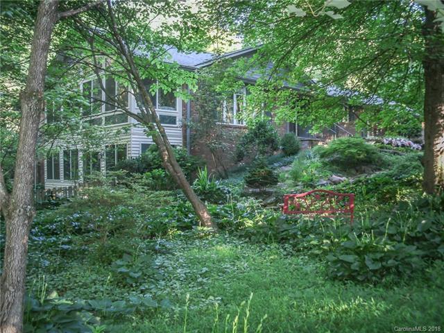 104 Woodhaven Drive #75, Hendersonville, NC 28739 (#3399077) :: Puffer Properties