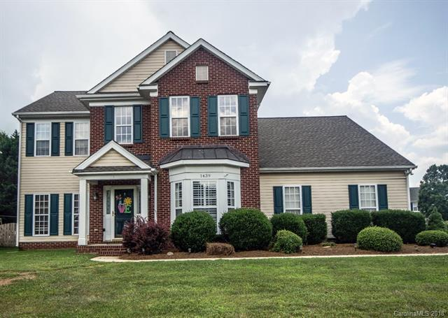 1439 Whitman Drive NW, Concord, NC 28027 (#3402105) :: LePage Johnson Realty Group, LLC