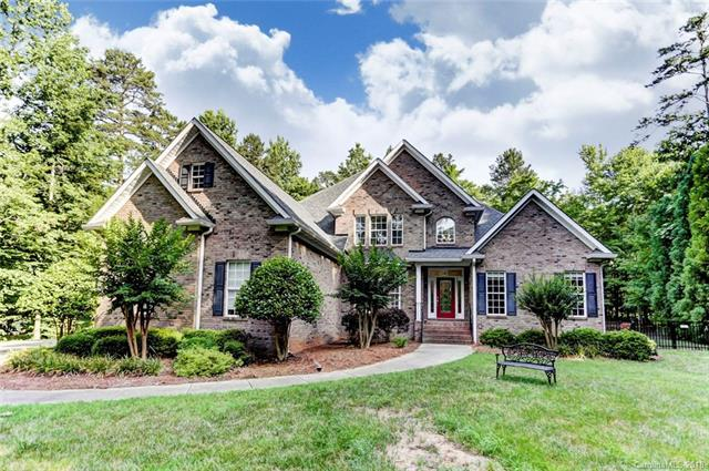 5808 Cross Point Court, Waxhaw, NC 28173 (#3404938) :: Charlotte Home Experts