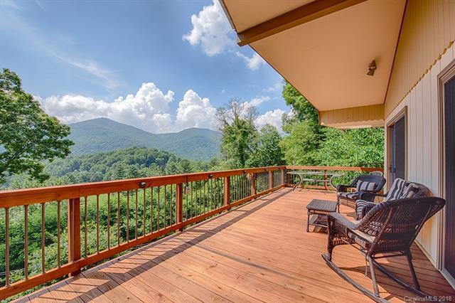 975 Country Club Road, Maggie Valley, NC 28751 (#3409988) :: Rinehart Realty