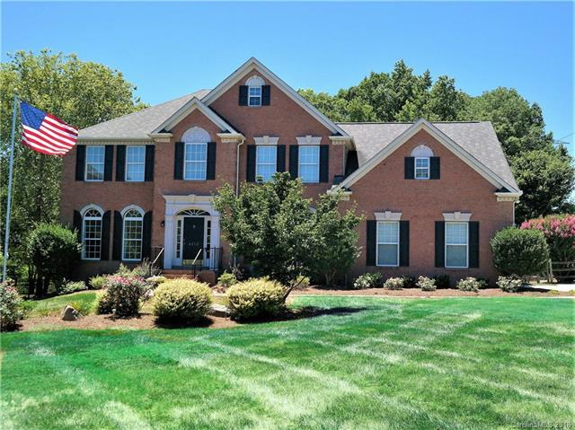 8818 Devonshire Drive, Huntersville, NC 28078 (#3410990) :: Exit Mountain Realty