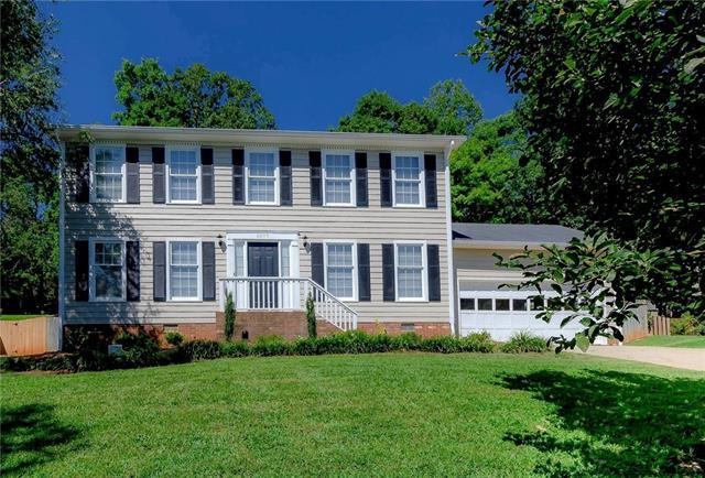 6077 Gold Creek Estate Drive, Hickory, NC 28601 (#3417042) :: Exit Mountain Realty