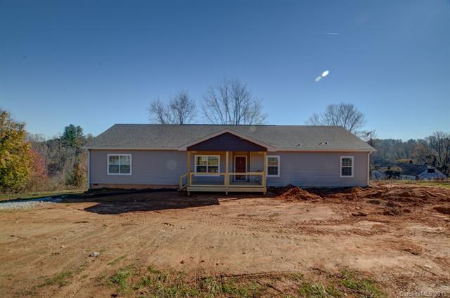 24 Round Top Circle, Mills River, NC 28759 (#3417923) :: Johnson Property Group - Keller Williams