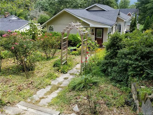 24 Greenbriar Road, Black Mountain, NC 28711 (#3424330) :: Exit Realty Vistas