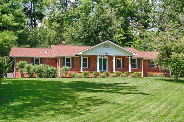 790 Crooked Creek Road, Hendersonville, NC 28739 (#3425620) :: LePage Johnson Realty Group, LLC
