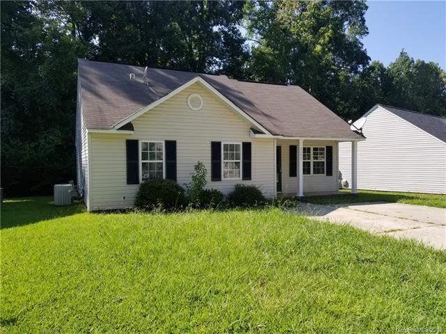 2243 Blue Hampton Lane, Charlotte, NC 28213 (#3426129) :: Zanthia Hastings Team