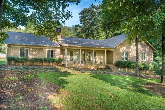 1428 Brandywine, Hickory, NC 28602 (#3427095) :: High Performance Real Estate Advisors