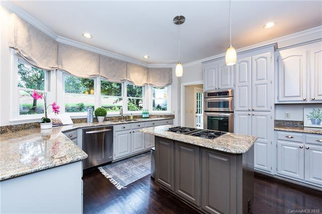 10300 Oak Pond Circle, Charlotte, NC 28277 (#3427227) :: LePage Johnson Realty Group, LLC