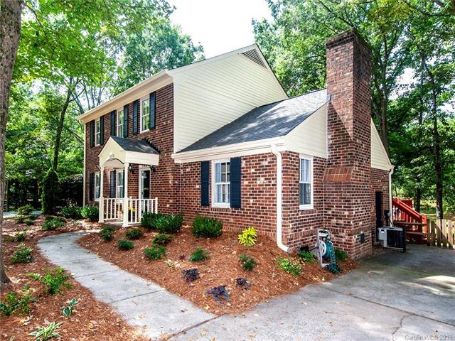 8832 Rayners Hill Drive, Charlotte, NC 28277 (#3431355) :: The Andy Bovender Team
