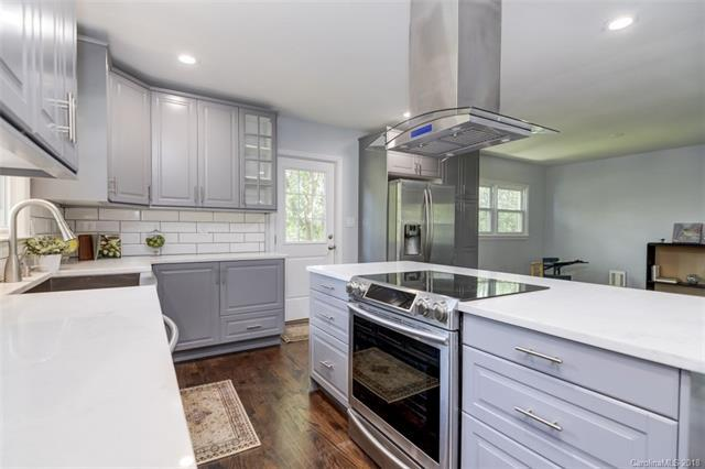 6809 Knightswood Drive, Charlotte, NC 28226 (#3435076) :: High Performance Real Estate Advisors