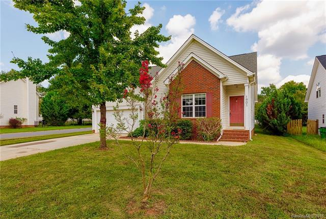 1901 Conifer Circle, Charlotte, NC 28213 (#3436310) :: The Premier Team at RE/MAX Executive Realty