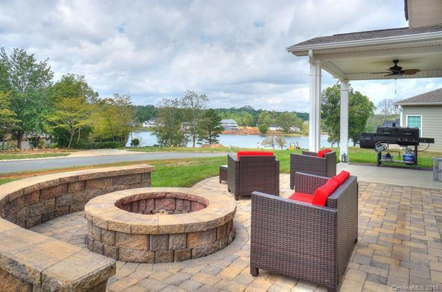 265 Blueview Road, Mooresville, NC 28117 (#3437859) :: LePage Johnson Realty Group, LLC