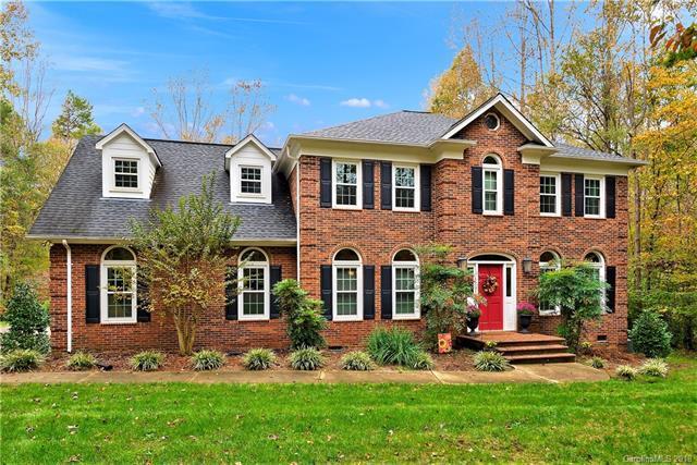 7158 Forest Ridge Road, Matthews, NC 28104 (#3450027) :: LePage Johnson Realty Group, LLC