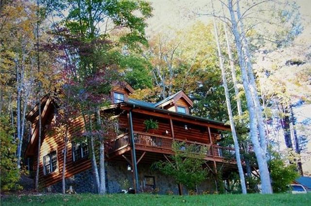 3925 Austin Valley Drive, Lenoir, NC 28645 (#3465218) :: Mossy Oak Properties Land and Luxury
