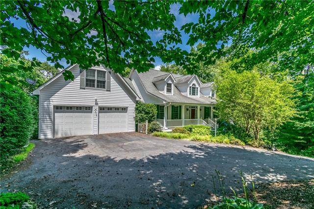 512 Claremont Drive, Hendersonville, NC 28731 (#3471354) :: LePage Johnson Realty Group, LLC