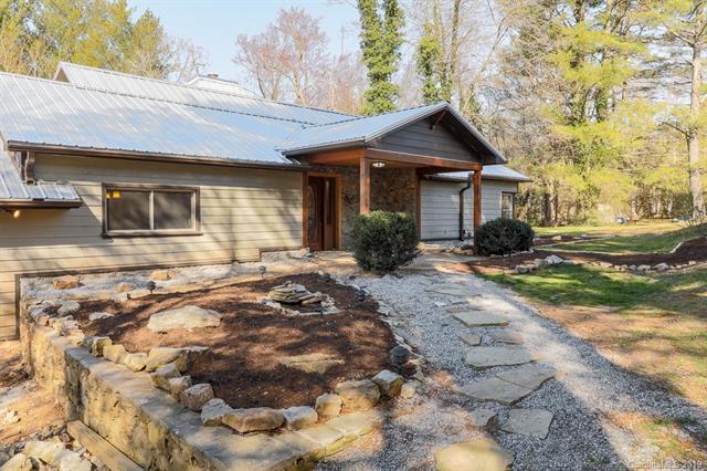 533 Whispering Hills Drive, Hendersonville, NC 28792 (#3487159) :: High Performance Real Estate Advisors