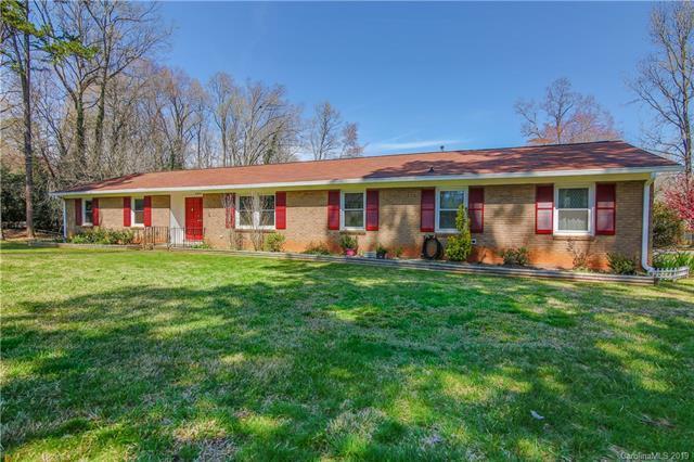 6904 Hillswick Drive, Charlotte, NC 28215 (#3487953) :: LePage Johnson Realty Group, LLC