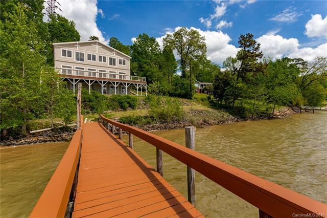 8932 Lynn Parker Lane, Charlotte, NC 28278 (#3498140) :: Stephen Cooley Real Estate Group