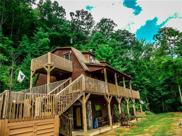 154 Cherry Berry Drive, Waynesville, NC 28785 (#3500812) :: LePage Johnson Realty Group, LLC