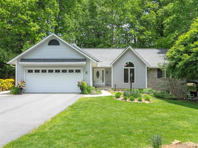 26 Robin Way, Candler, NC 28715 (#3501705) :: Carlyle Properties