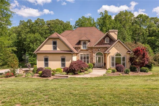 6013 Stonepath Lane, Waxhaw, NC 28173 (#3506108) :: Keller Williams South Park