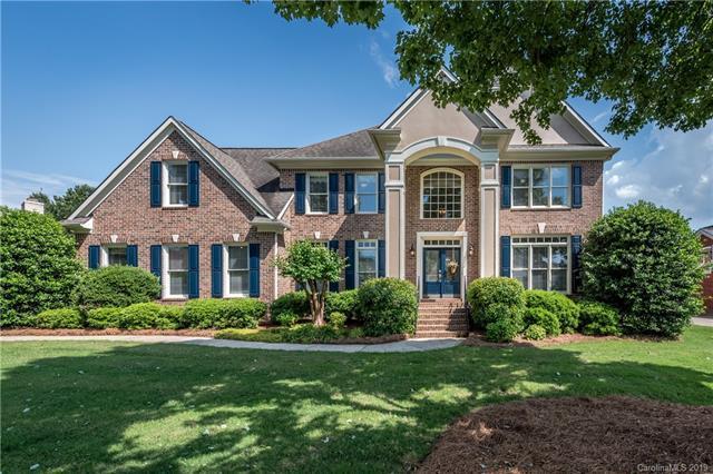17209 Royal Court Drive, Davidson, NC 28036 (#3508106) :: MartinGroup Properties