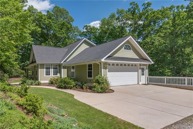196 Blackbird Lane, Tryon, NC 28782 (#3508786) :: Keller Williams Professionals