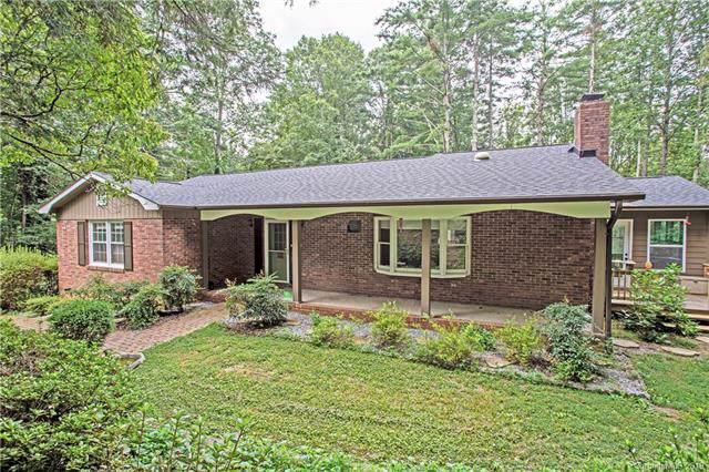 225 Park Lane, Hendersonville, NC 28791 (#3510254) :: LePage Johnson Realty Group, LLC