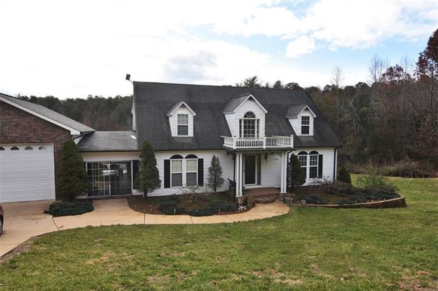 250 Rabbit Hollow Lane, Taylorsville, NC 28681 (#3512458) :: Caulder Realty and Land Co.