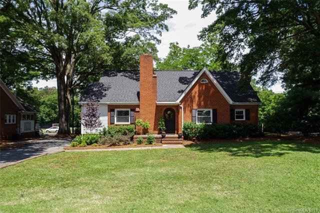 7207 Matthews Mint Hill Road, Mint Hill, NC 28227 (#3522085) :: Charlotte Home Experts