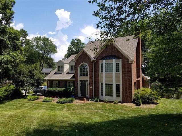 4846 Elmhurst Drive NE, Hickory, NC 28601 (#3527403) :: Carlyle Properties