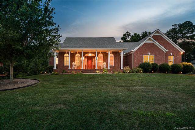 118 Rushing Water Lane, Troutman, NC 28166 (#3528975) :: Keller Williams South Park