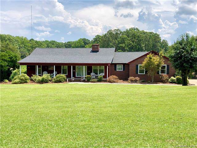 105 White Farm Road, Dallas, NC 28034 (#3534077) :: Homes Charlotte