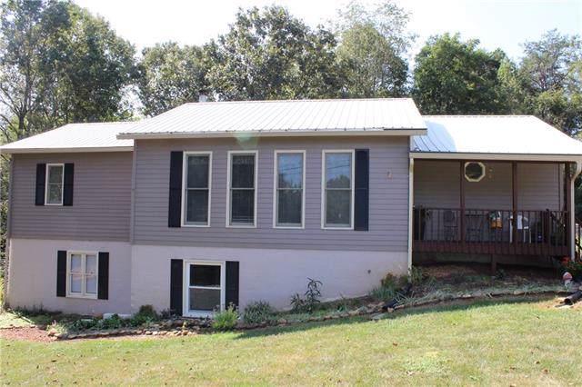 2276 38th Avenue NE, Hickory, NC 28601 (#3536595) :: Homes Charlotte