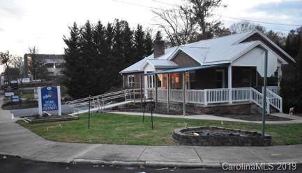919 Fleming Street, Hendersonville, NC 28791 (#3546099) :: BluAxis Realty