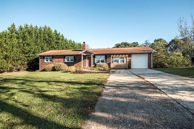 1011 Cloninger Mill Road NE, Hickory, NC 28601 (#3548843) :: Homes Charlotte