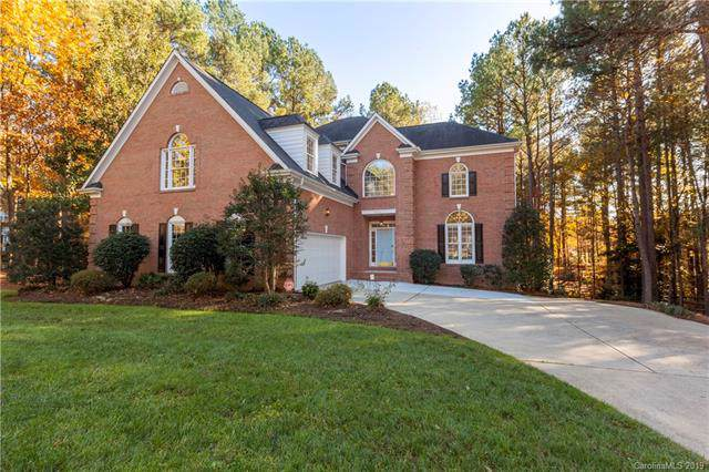4428 Overlook Cove Road, Charlotte, NC 28216 (#3557287) :: LePage Johnson Realty Group, LLC