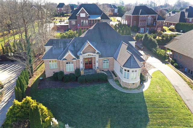 4420 3rd Street Court NW, Hickory, NC 28601 (#3574400) :: Homes Charlotte