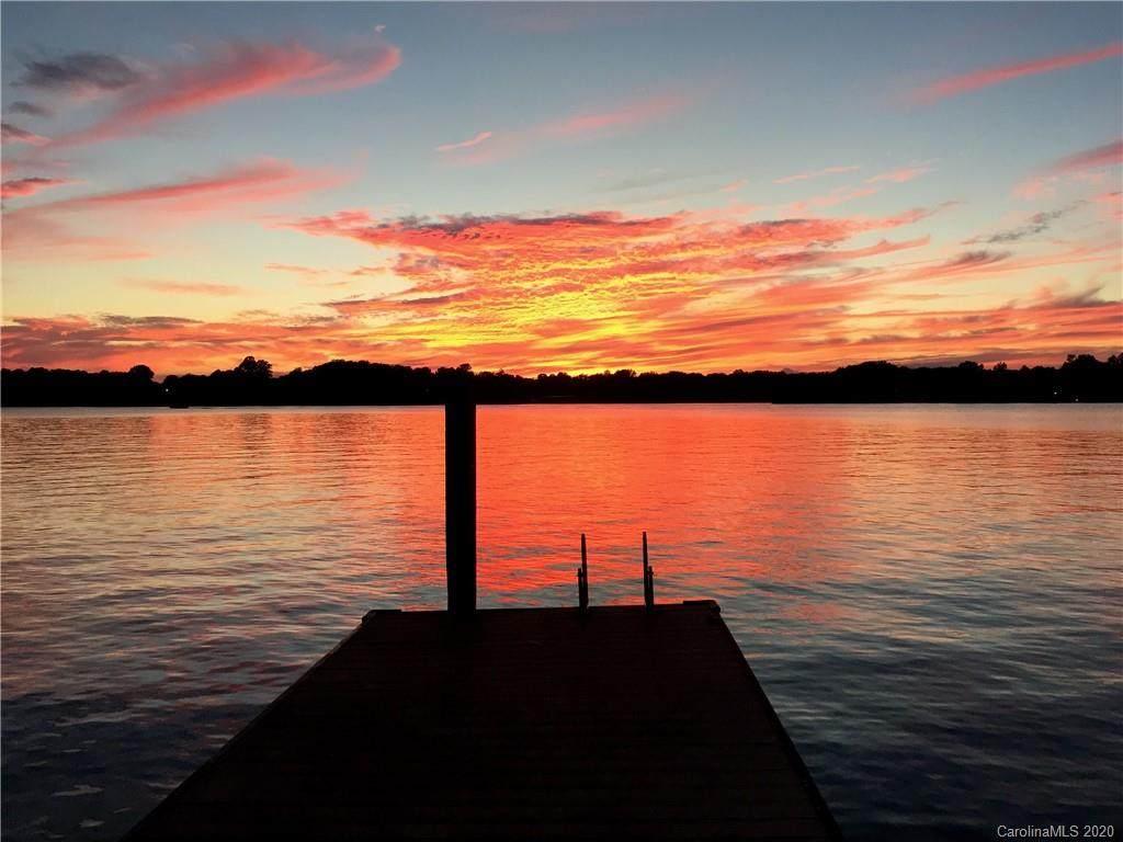 141 Lakefront Drive - Photo 1