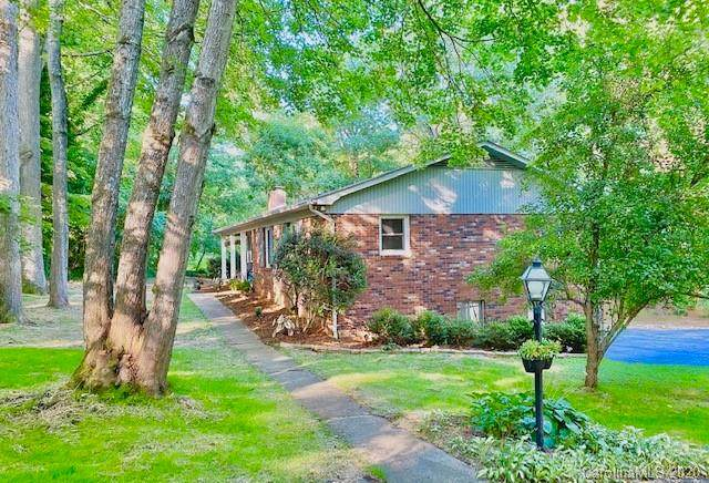 2514 Kanuga Road, Hendersonville, NC 28739 (#3635445) :: Rinehart Realty