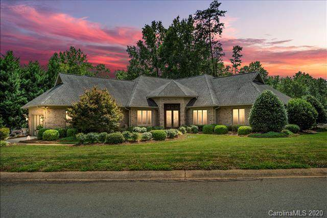 7 Old Fox Trail, Lake Wylie, SC 29710 (#3656614) :: Caulder Realty and Land Co.