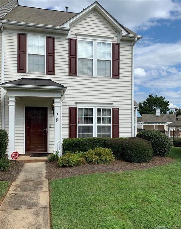 5127 Lakeridge Commons Drive, Charlotte, NC 28269 (#3659782) :: Johnson Property Group - Keller Williams