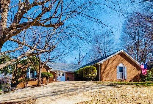 743 Springdale Road, Statesville, NC 28677 (#3706279) :: Mossy Oak Properties Land and Luxury