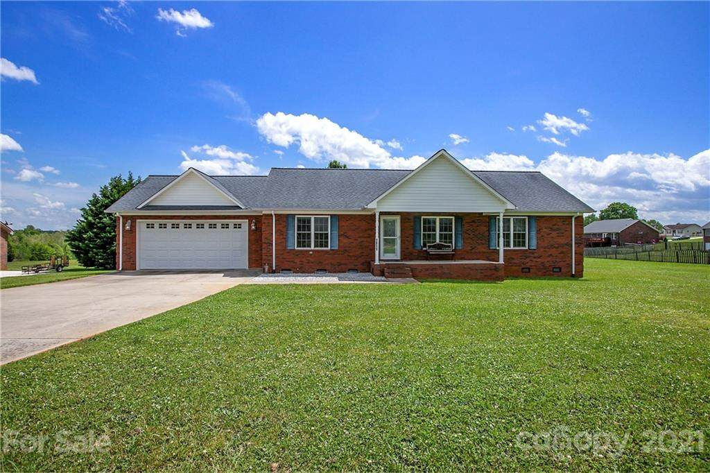 1811 Holden Drive - Photo 1