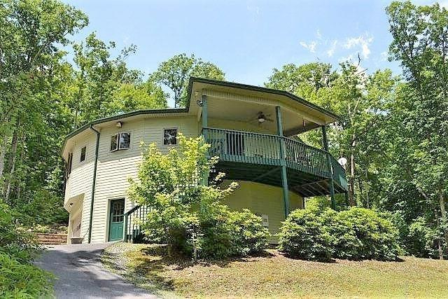 7711 Parks Mountain Drive, Newland, NC 28657 (#9579660) :: Carlyle Properties